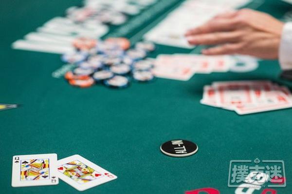 德州扑克阻断牌与河牌圈诈唬判断