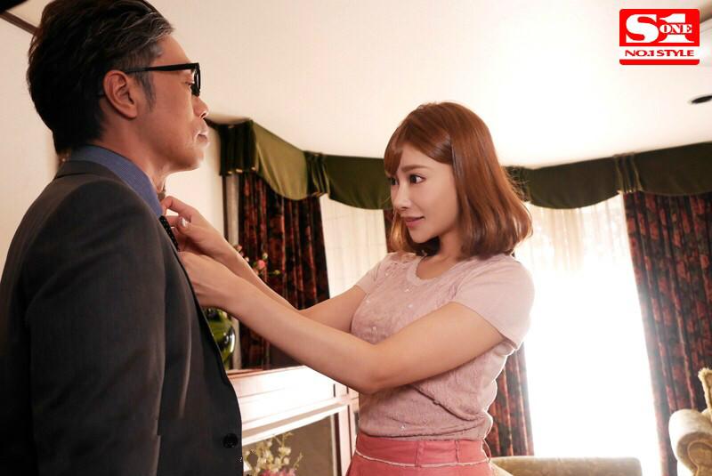 【博狗新闻】SNIS-166: 面对公公赤裸裸的邀请,明日花绮罗 在道德和欲望之间如何选择?