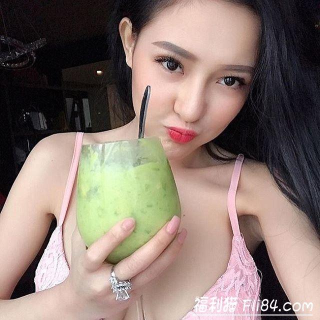 越南H奶网红娜娜《Ngân98》手机失窃后果照和自慰影片流出!
