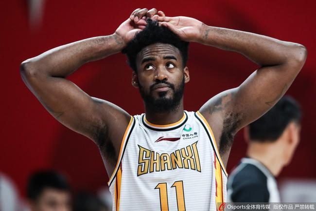 【博狗体育】狂输26个篮板外援都急眼了 狂飙中文:篮板篮板