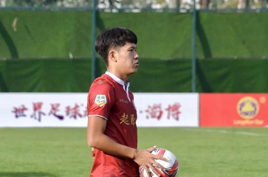 【博狗体育】淄博小伙十年足球之路 亲情和努力是他最大的财富