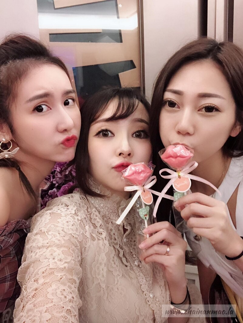 无极限女王黄沛妍S曲线身材超火辣,女王范儿十足!