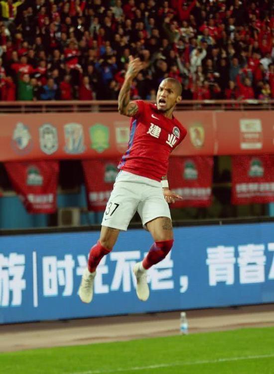【博狗体育】嵩山龙门传承河南球迷感情 双主场分上下赛季轮换