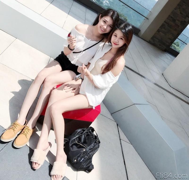 """今日妹子图20200326:绣纹师""""Elise"""" 雪白巨乳修长美腿,好像被她服务啊!"""