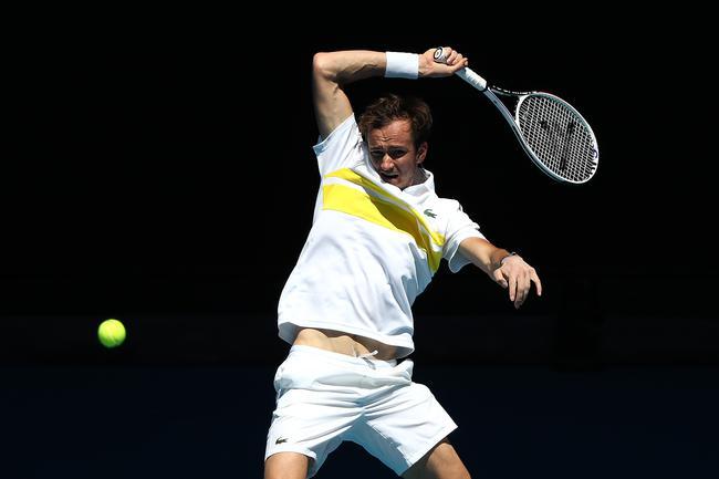 【博狗体育】澳网梅德韦德夫3-0横扫黑马 生涯首进澳网八强