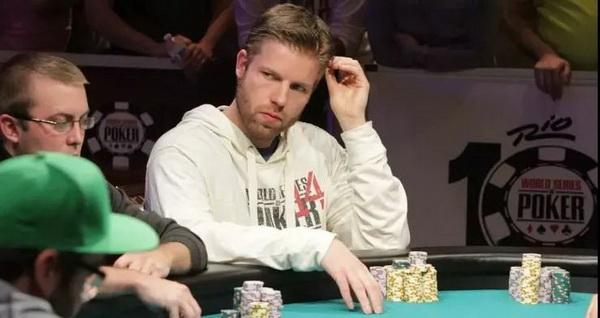 给德州扑克职业牌手下套的方法(下)