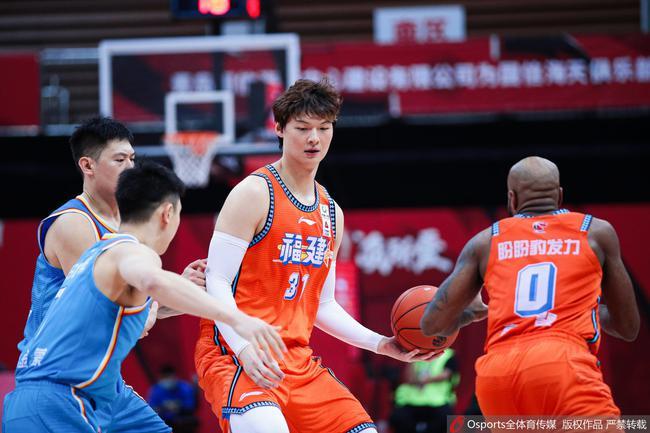 【博狗体育】得分篮板生涯最低!才27岁的王哲林到底怎么了