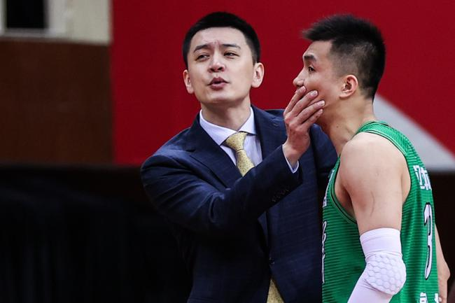 【博狗体育】郭艾伦:联赛非常正规专业 二阵是我不配的荣誉